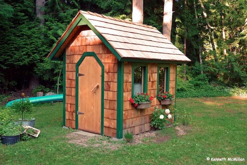 how to build a pump house shed | Quick Woodworking Projects